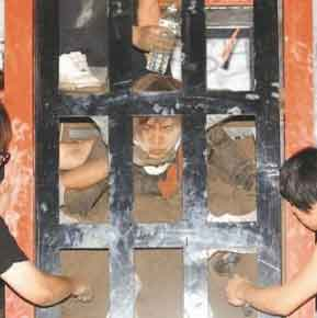 Taiwan Magician burnt alive for 100 hours