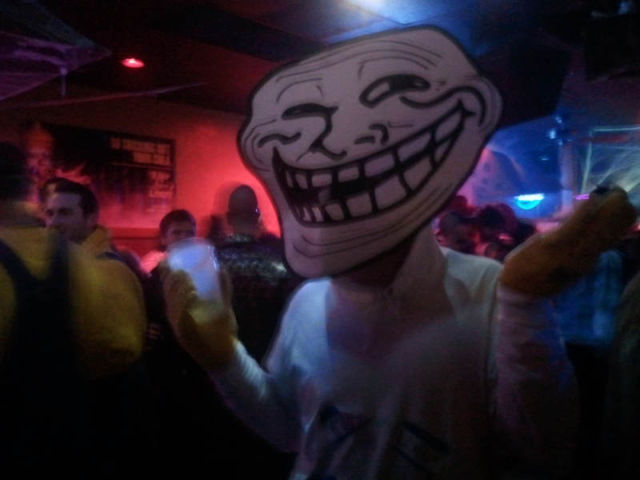 funnies-and-craziest-halloween-costumes