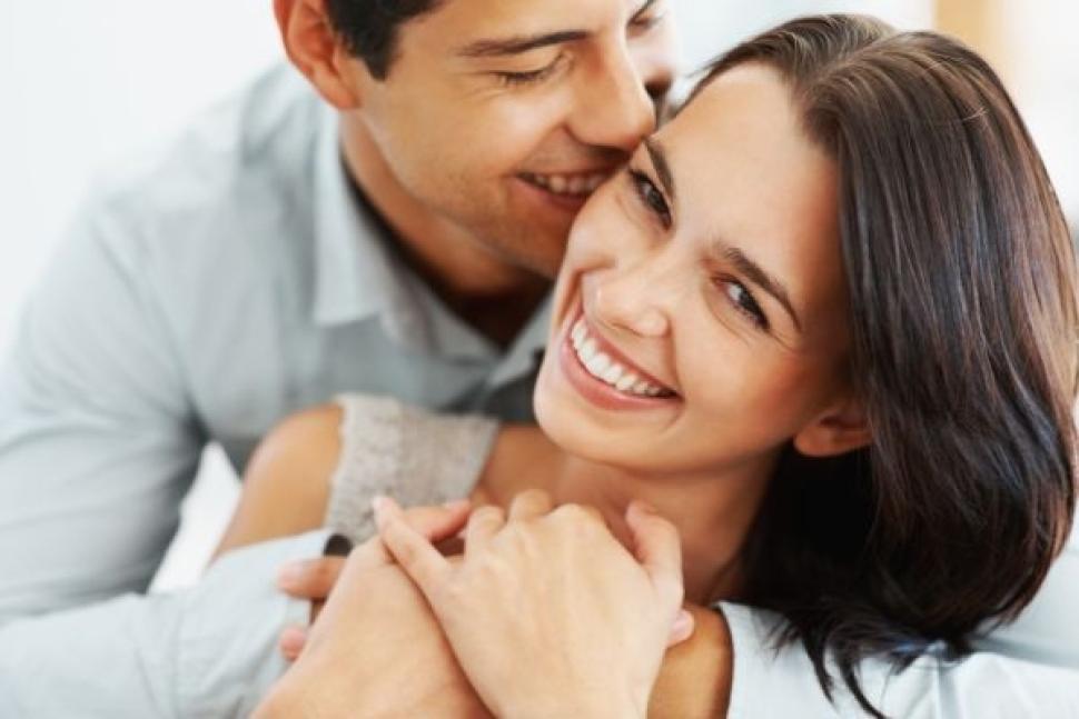 happy-couple-romance